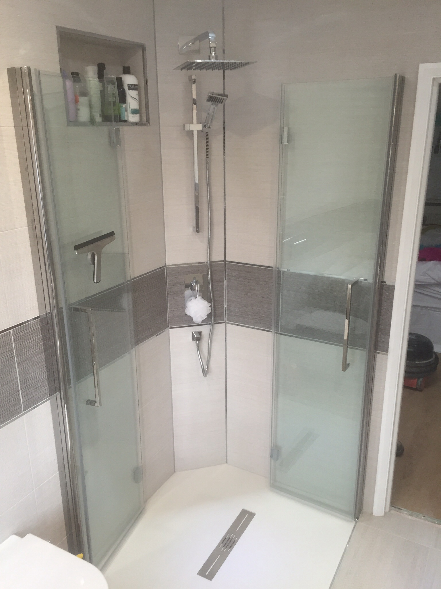 Shower Screens Bathrooms Ensuites Wetrooms Buildhub