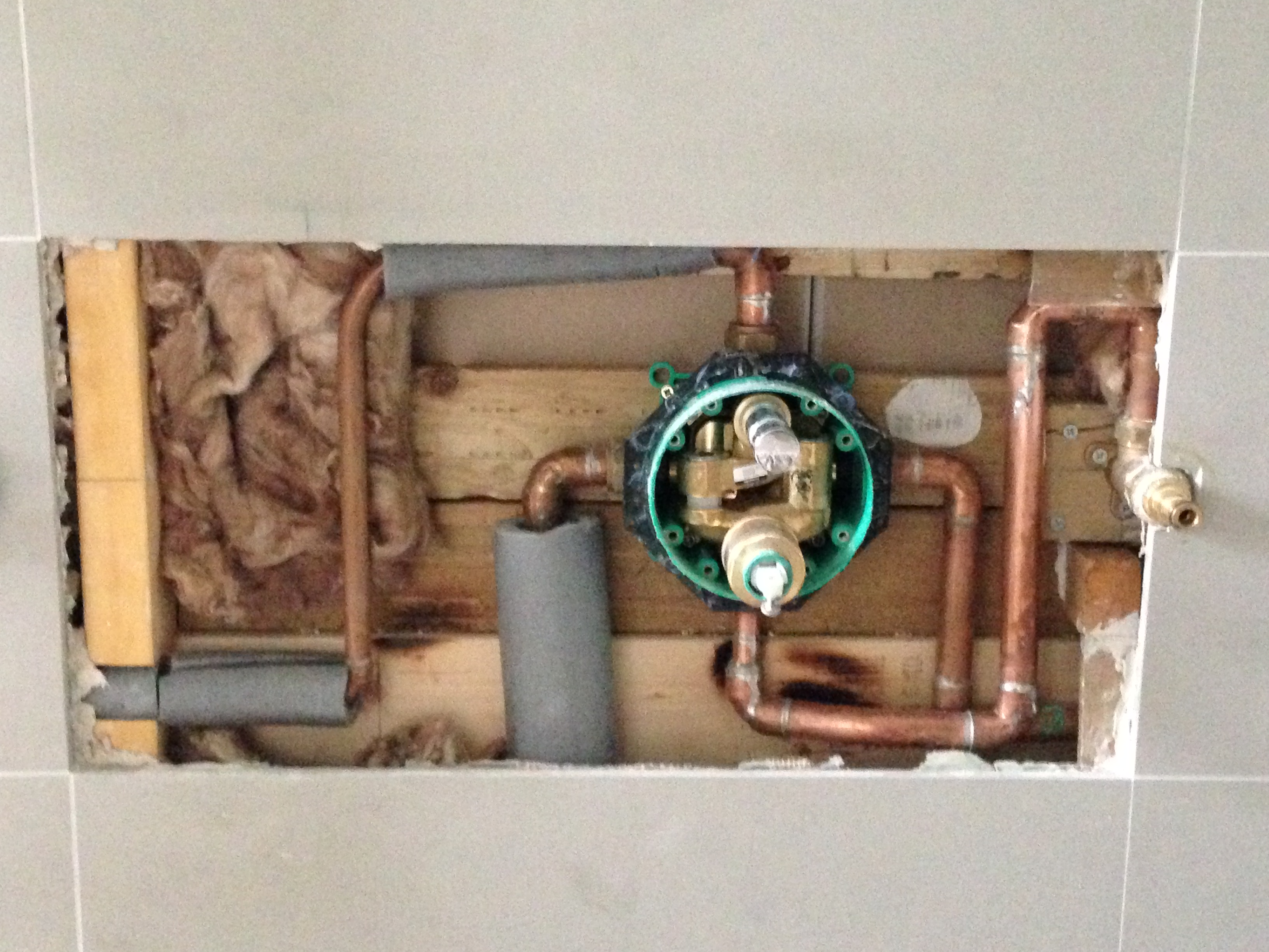 Plumbing a hansgrohe ibox for shower valve vs bath valve for Hansgrohe ibox