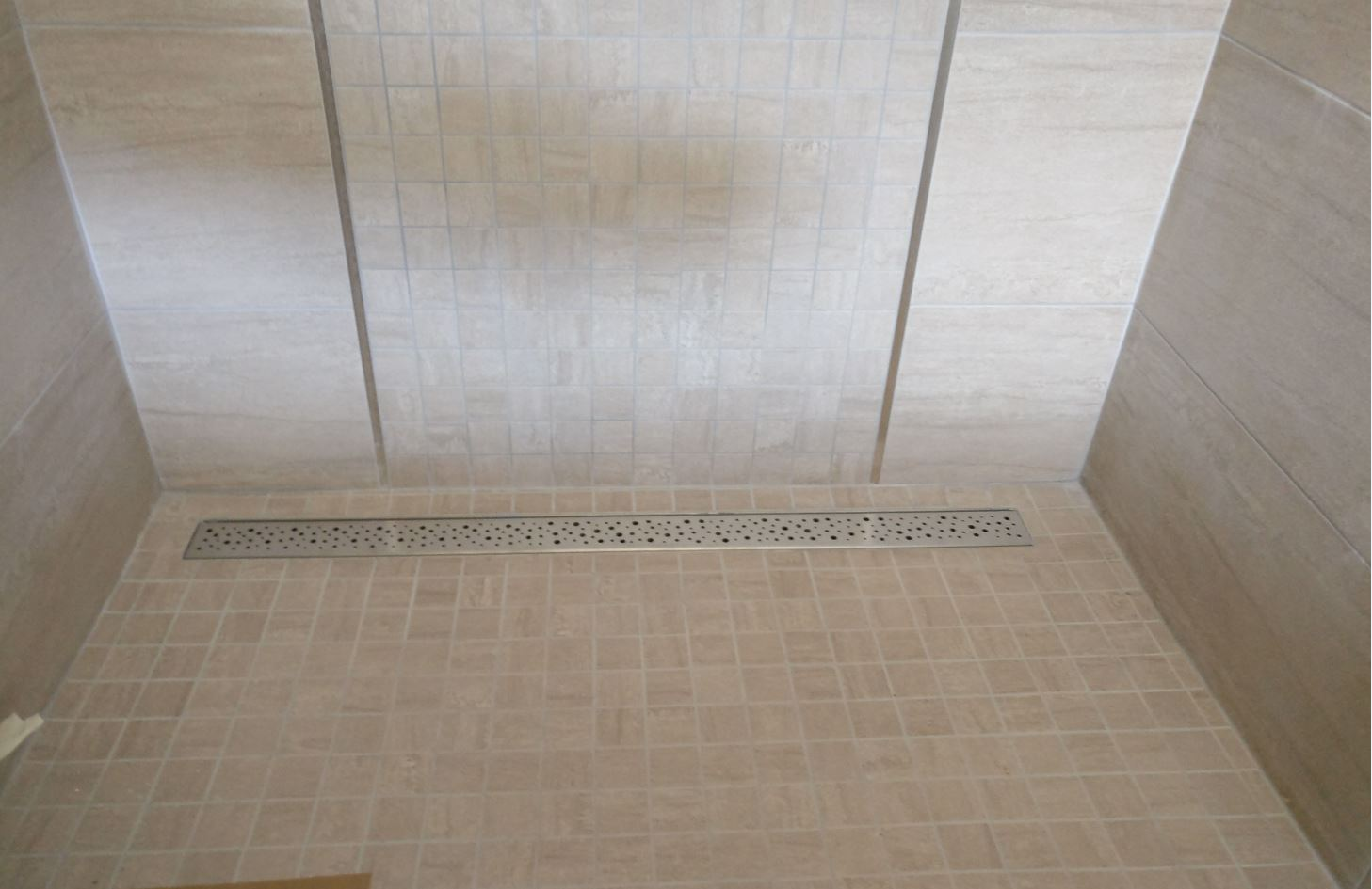 Wet room without mosaic tiles bathrooms ensuites for Wet room mosaic floor tiles