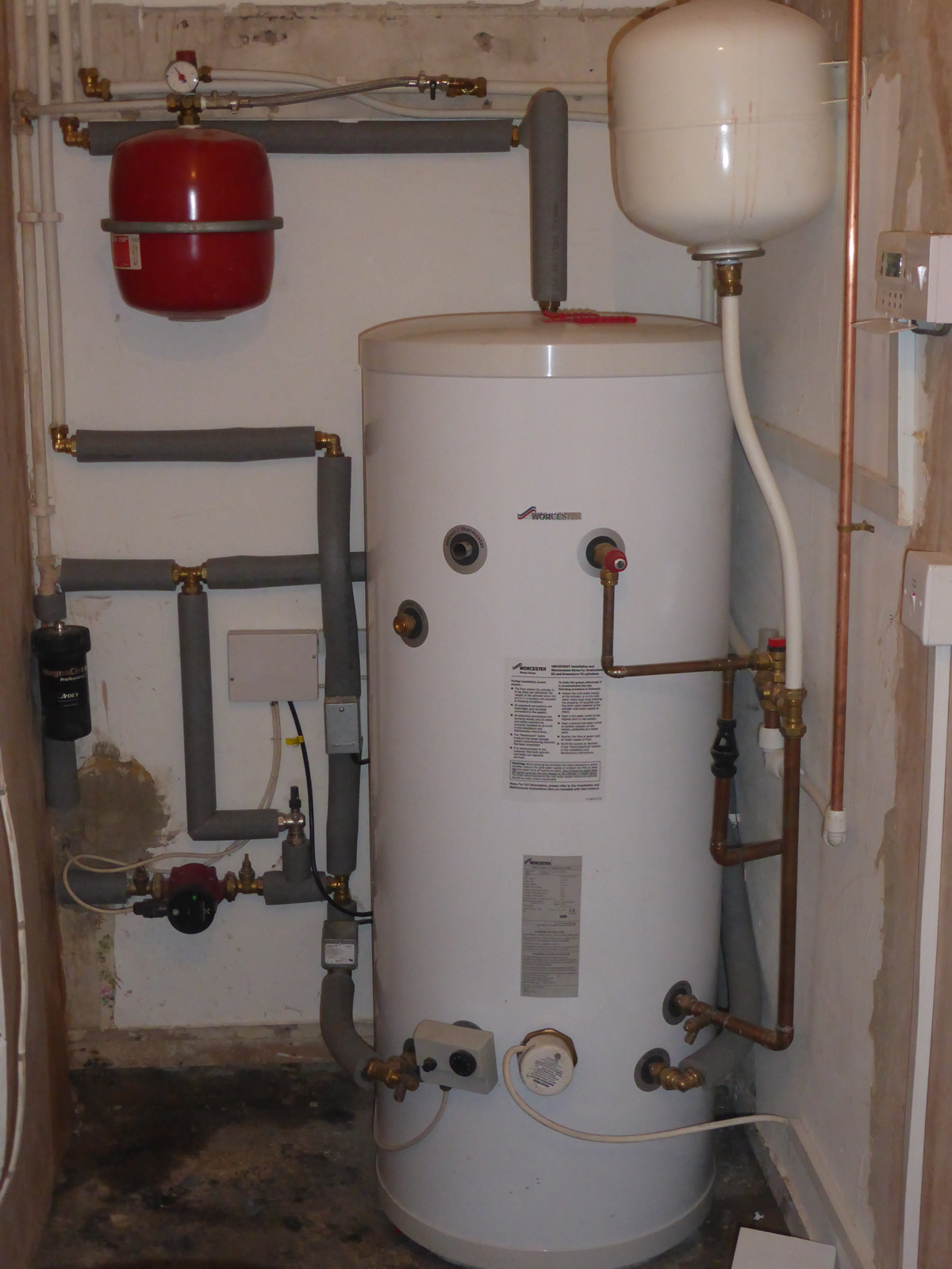 Can Anyone Identify This Hot Water Tank General
