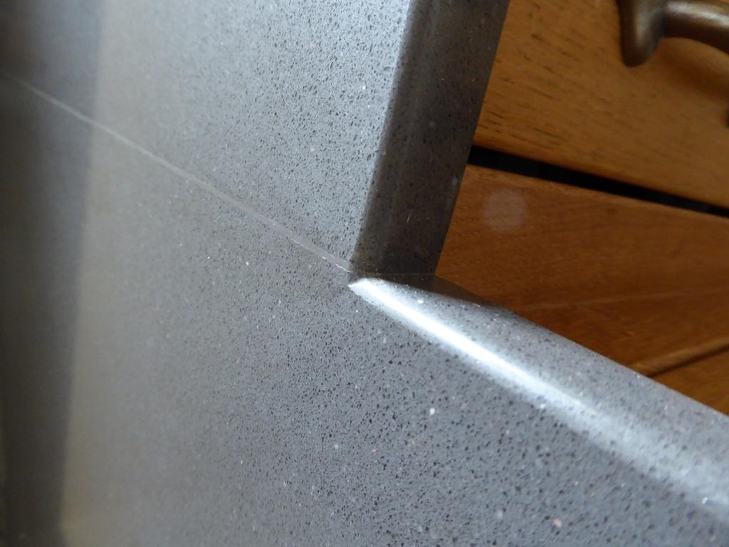 Quartz worktop joint, is this acceptable? - Kitchen Units & Worktops ...