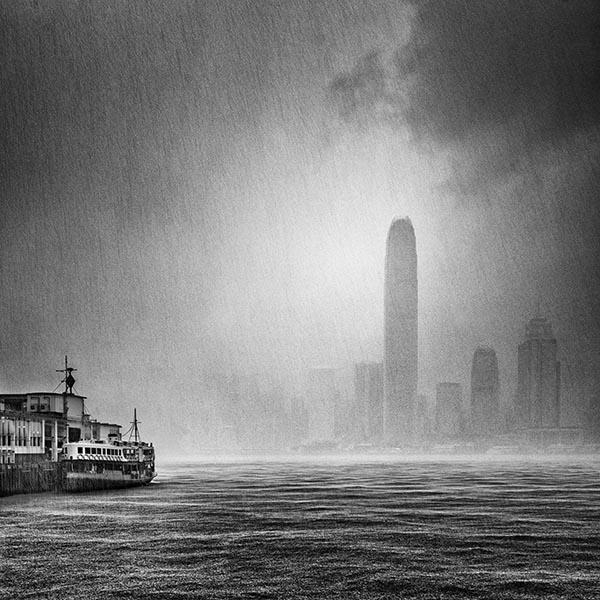 Victoria Harbour, Hong Kong.jpg