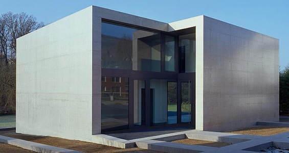 concrete-house-565-300.jpg.189462b53b9e3602f116af66db75341a.jpg