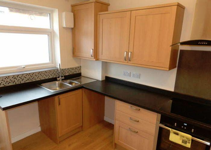 wenham-kitchen-2.jpg.b79110ade526fa3ad3146a3686b7eac2.jpg