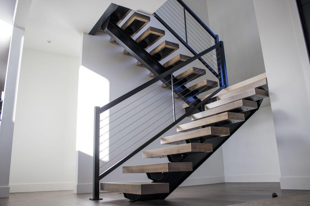 1447717726_stairsmetal.thumb.jpg.1bba749b34bb493a922676279f943956.jpg